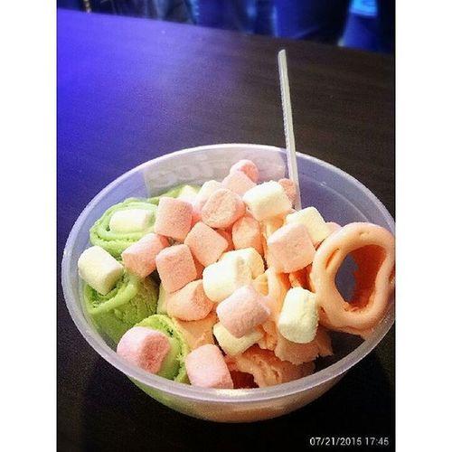 First try! Icecream Rollroll Nomnom Kulinermedan