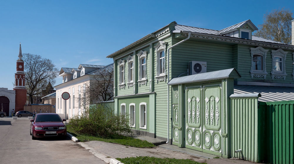 Russia, tourism, wooden house, Kolomna Russia Architecture Blue Building Building Exterior Built Structure Car City Clear Sky Day Garage House Land Vehicle Mode Of Transportation Motor Vehicle Nature No People Residential District Row House Sky Street Sunlight Transportation