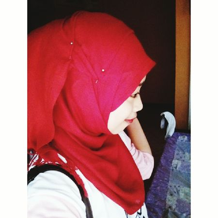 Hi! Hijab Red