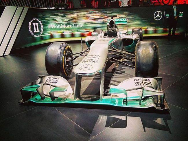 · MERCEDES F1 W06 HYBRID · Mercedes Merc Autoexpo2016 India Themotorshow Supercars Carswithoutlimits Speedster Instapic Instadaily Instagram Petronas F1 Hybrid Racingunleashed . Oneplustwo