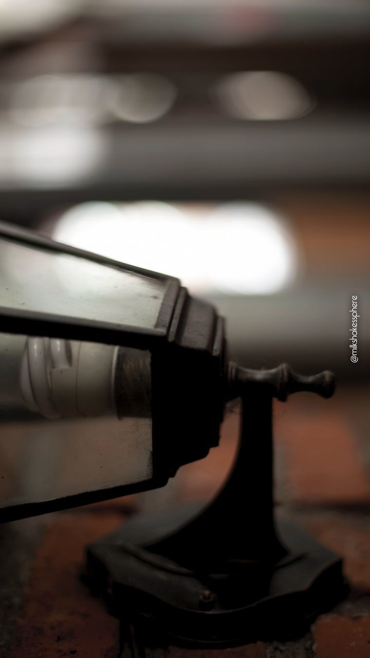 close-up, no people, indoors, music, selective focus, arts culture and entertainment, retro styled, still life, technology, record, turntable, table, musical instrument, musical equipment, focus on foreground, metal, old, nostalgia, equipment