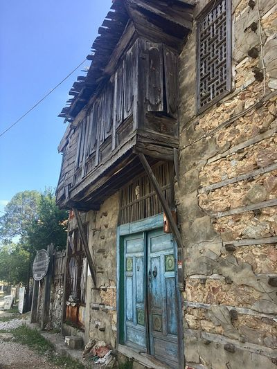 İbradı Güncesi - Fsn® EyeEm Best Shots İbradı Villagelife Woodenhouse Architecture Built Structure Building Exterior Old-fashioned No People Wood - Material Day Low Angle View Abandoned Outdoors Sky Close-up