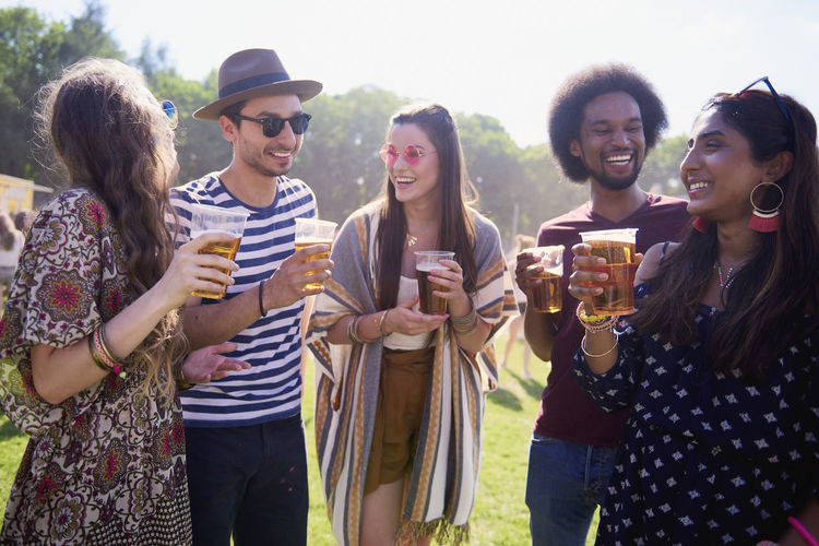 Music Festival Beer Friends Drink Traditional Festival Festival Alcohol Music Outdoors People Summer Party Fun Laugh Group Of People Traveling Carnival Coachella Valley Young Adult Day Multi Ethnic Group African Asian  Indian Sunlight Happiness Youth Culture Adult Entertainment Bond Meeting Enjoyment Festival Goer Holiday Next To Playful Popular Music Concert Smiling Joy Carefree Fashion Fashionable Sunglasses Straw Hat Vacations Social Gathering Freedom Sunny Standing