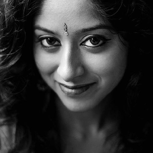 Nikkor Nikon Woman Primelens Photoshoot Beauty Bangladesh Bokeh Lady Desi Dhanmondi Daylight Windowlight Studio Saree Sidelight Smile Girl Female Highcontrast Indoor