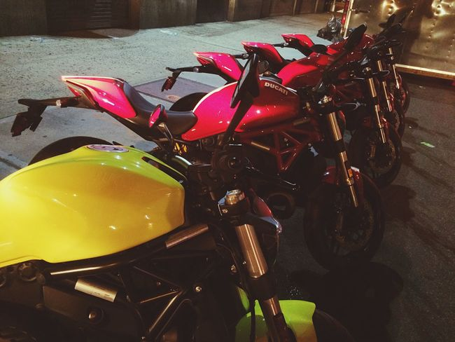 R1 #honda #yamaha #cbr #r6 #aprillia #gsxr #ducati #motorbike #125cc #gold #motorcycle #bmw #yzf #bikeswithoutlimits #bikekings #stunt #suzuki #sports #1000cc #pistonheads #sportbike #r125 #ktm #burnout #tuned #custom #kawasaki Moto Bikerlife Ringside MOVIE