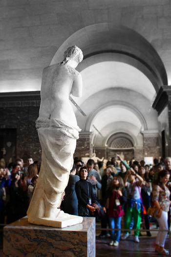 The Tourist Venus Old versus New Venus Venus De Milo Louvre The Louvre Museum  Museum Art Sculpture Pepole Gallery