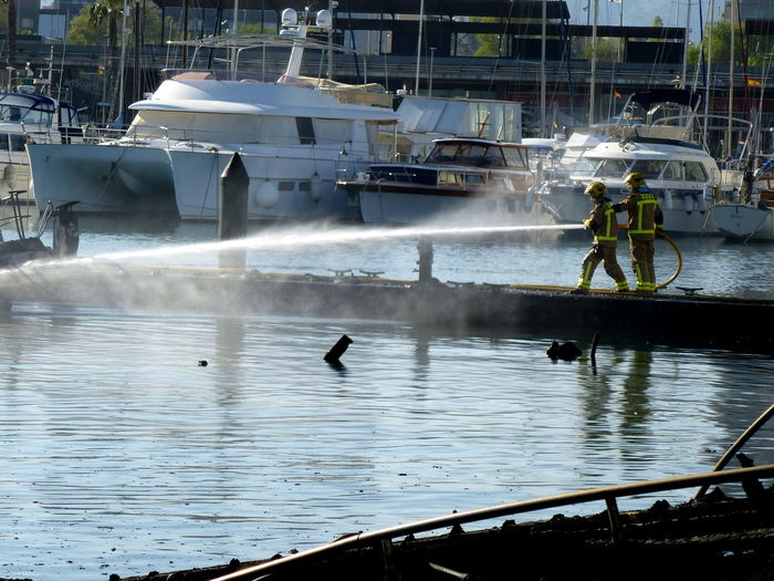 Port Forum Accident In Harbour Accidents And Disasters Barcelona Harbour Fire Fireman Marina Puerto Forum Smoke Vessels In Port