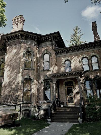 Historic Grosvenor House, Jonesville, Mi (built 1872) Historic Building Italianate Architecture Mansion
