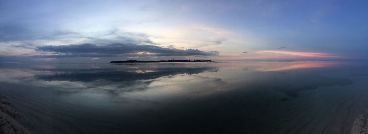 Panoramic of a wonderful sunset in Gili Air, Indonesia Non-urban Scene Ocean Scenics Sea Seascape Sky Standing Water Sunset Tranquil Scene Tranquility Water