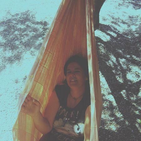 Cama Amaca Paraguaya árbol Campament SPAIN LOCURAS Ideas Nice Cute Descanso Relax Momentos Risas LOL Calor Verano Sombra