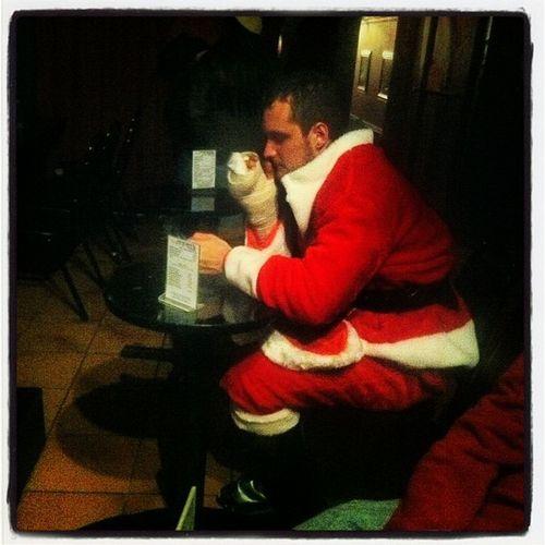 Lonely Santa :( #santacon #nyc #nycsantacon #newyorkcomedyclub NYC Santacon Nycsantacon Newyorkcomedyclub