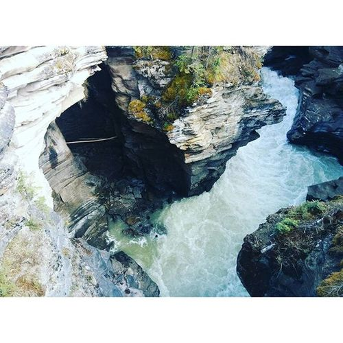 😄 Lookingback Adventure Greatnorthcollective Alberta Canyon Hiking GoodTimes Explore