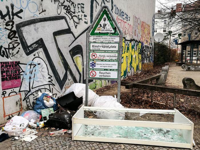 Berlin Berlin Photography Berliner Ansichten City Day Dreck Garbage Graffiti Müll Neukölln Street Text Waste Wasted