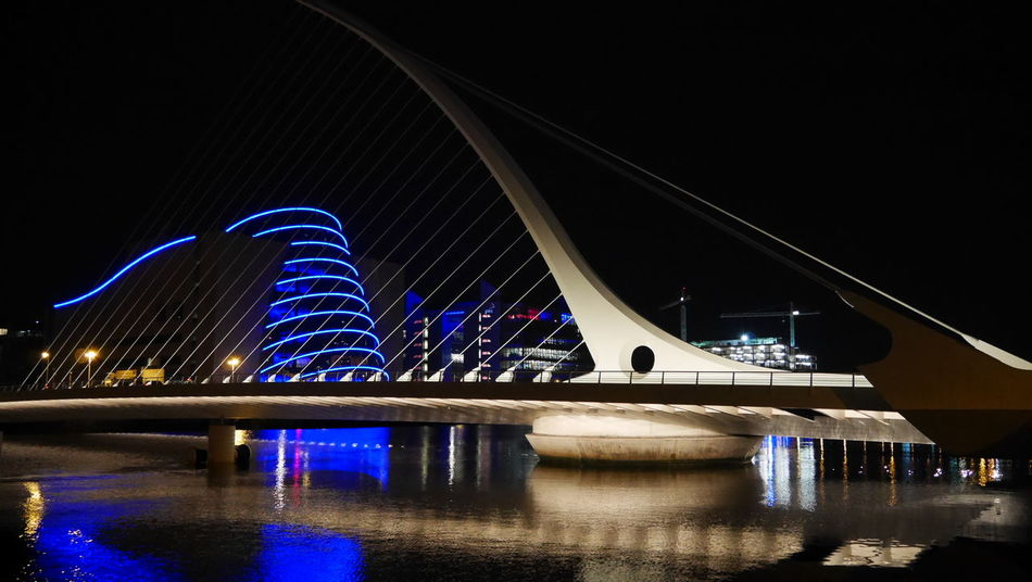Samuel Beckett Bridge Taking Photos Streetphotography Dublin EyeEm Best Shots Dublin, Ireland LUMIX DMC-GX7 Beaytiful Architecture Dublinbynight Samuel Beckett Bridge Bridge