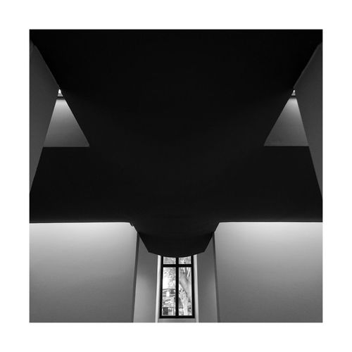 Architecture Built Structure No People Indoors  City Black And White Taking Photos Blackandwhite Photography BW_photography Bw_collection Urbanphotography Black & White Bw Black And White Photography Indoor Indoors  Architecture Architectural Feature Building Cross Lines And Shapes Light And Shadow Window France Travelphotography