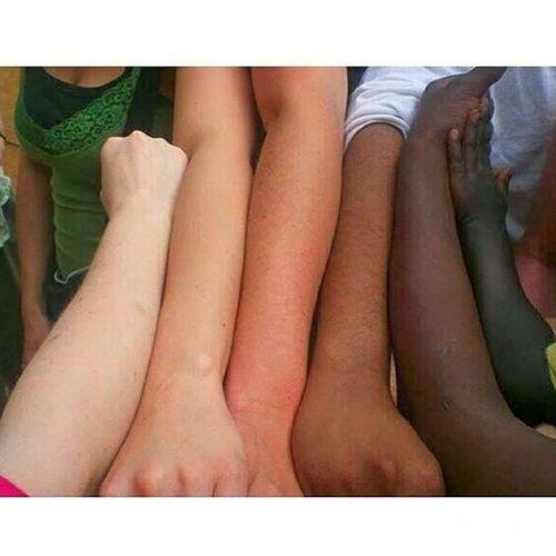 On a tous un coeur entre les épaules. No_racisme No_limites One_world