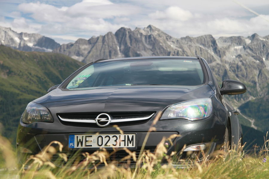 Passo Gavia Adventure Astra Beauty In Nature Car Day Landscape Mountain Mountain Range Nature No People Opel Astra Outdoors Scenics Sky Transportation