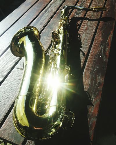 Invitation Table Bokeh Bokeh Lights Bokeh Photography Saxophone Messing Brass Brass Instrument  Woodwinds Sparkling Light Sparkling Halo Reflection_collection Reflections