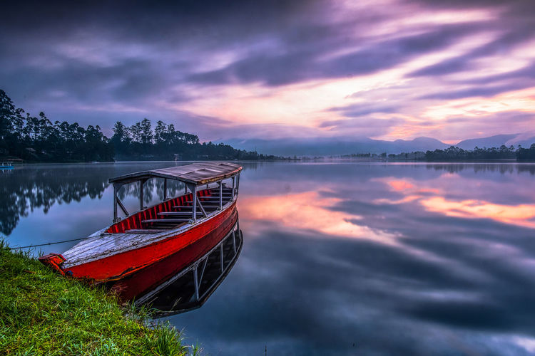 A relaxing morning in Cileunca Lake Beauty In Nature Cileunca Lake Lake View Landscape Long Exposure Reflection Relaxing Moments Water