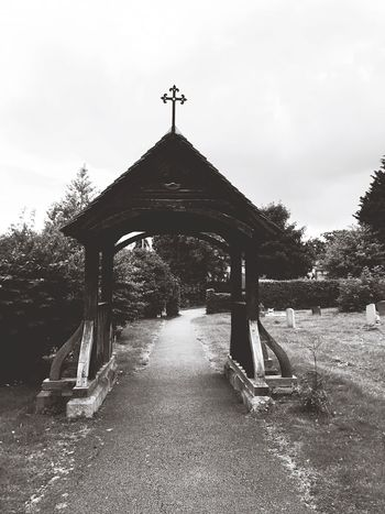 Churchyard Graveyard Archway Path Black And White Cemetary