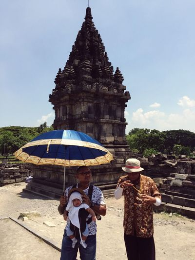 Showcase: January Holiday Capture The Moment Authentic Moments Candid Father & Son Modern Father UNESCO World Heritage Site