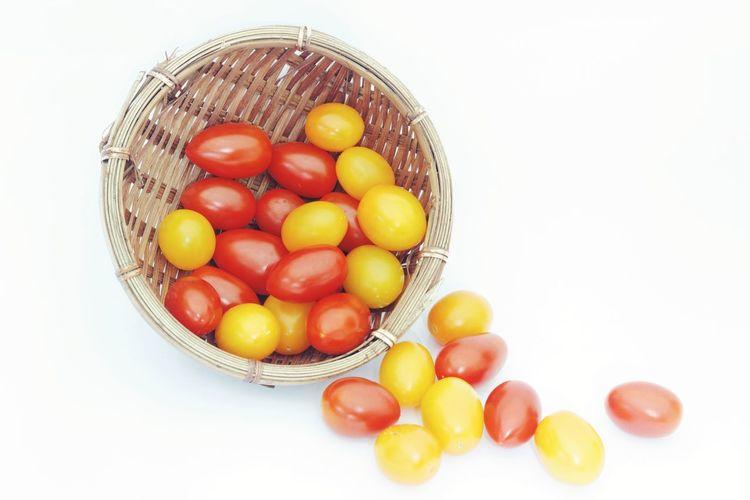 Honey tomatoes Food Tomato Sweet Sour Food Fruit Vegetable Isolated White Background Isolated White Background Fruit Healthy Lifestyle Yellow Studio Shot Basket Close-up
