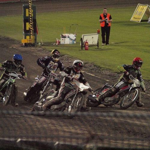 Brakuje mi tego... Ale już niedługo nowy sezon i pierwsza liga <3 Speedway Zuzel Rybnik Rowrybnik love miłość motocykle motor tęsknię