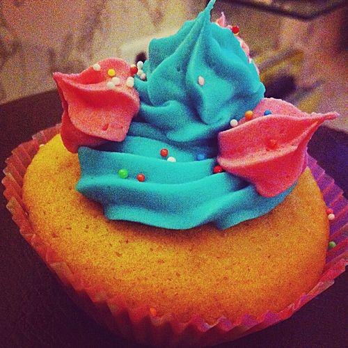 My cupcake ! Enjoying Life blue&pink