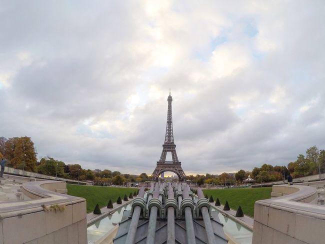Sunday's are made of this, bonjour Paris EyeEm Best Edits EyeEm Best Shots Historical Sights Eyem Best Shot - Architecture