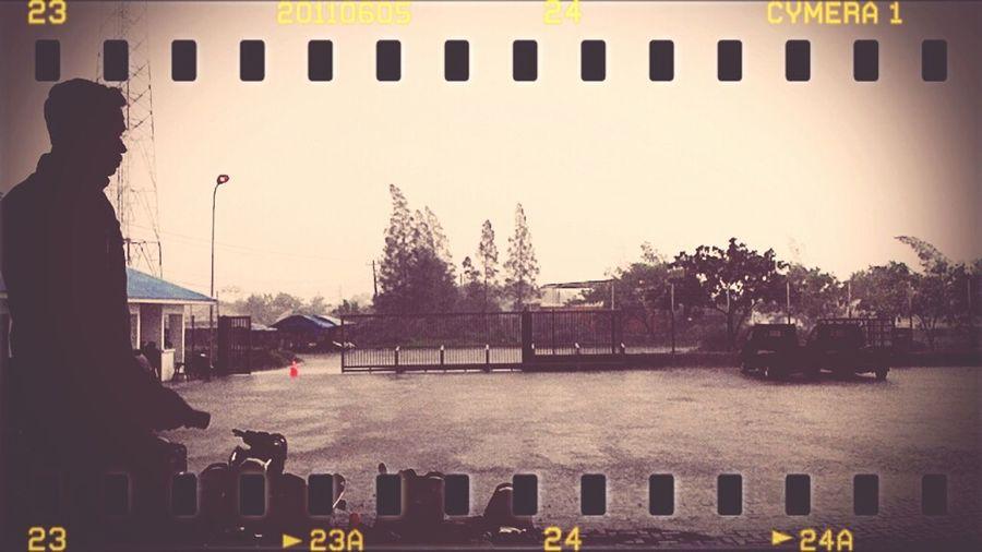 Just Waiting the Rain