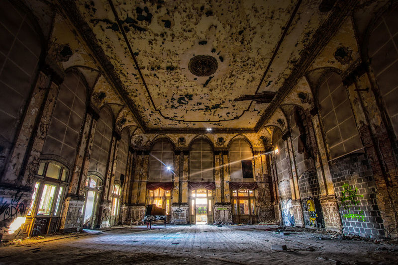 Berlin DanceRoom Graffiti Abandoned Architecture Built Structure Illuminated Indoors  Night No People Discover Berlin