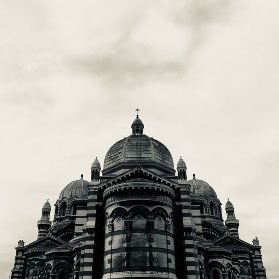 church⛪️ Monument Mucem Eglise Marseille Nopeople Cathedrale Patrimoine Built Structure Architecture Building Exterior Sky Dome Cloud - Sky The Still Life Photographer - 2018 EyeEm Awards Low Angle View Travel Destinations Travel Nature The Past Tourism History No People Day Religion Building Place Of Worship Belief Outdoors
