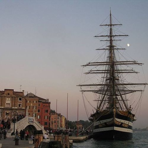 #Amerigo Vespucci#barca a vela#nave#mare#marina militare#nave d'epoca#nave scuola#venezia#riva degli schiavoni#la spezia#lerici