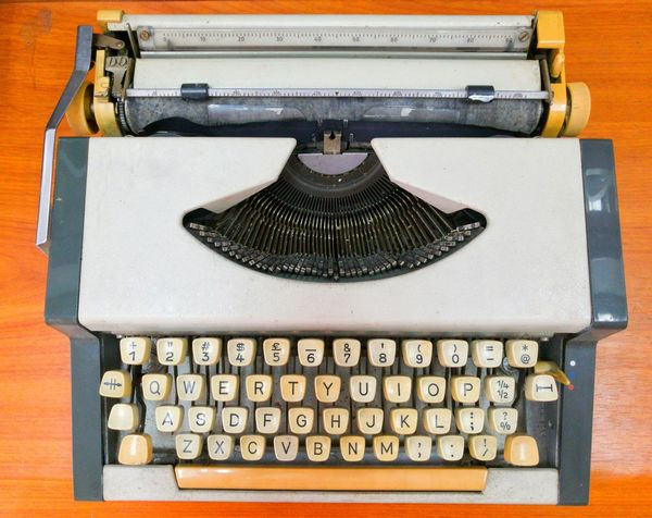 Retro Portable Typewritter EyeEm Selects Typewriter Technology Journalism Old-fashioned Antique Retro Styled Communication Minute Hand Table Correspondence Analog Vintage