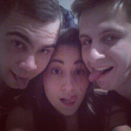 Теперь три идиота!)))