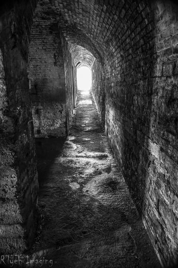 Arch Architecture Built Structure Corridor Day Diminishing Perspective Empty Historic History Long Narrow No People Old The Way Forward Tunnel Vanishing Point Walkway