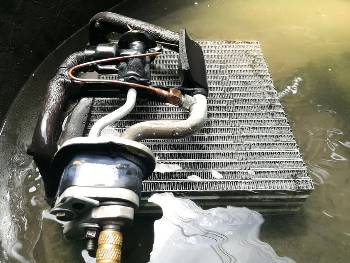 Check Cool Working Air Condition Car Garage Job Metal Water