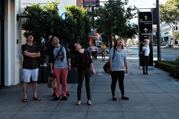 Watzup California USA Streetphotography Colors FilipinoStreetPhotographers Everydayeverywhere Group Of People Women Adult Men Street Tree The Street Photographer - 2018 EyeEm Awards Lifestyles People