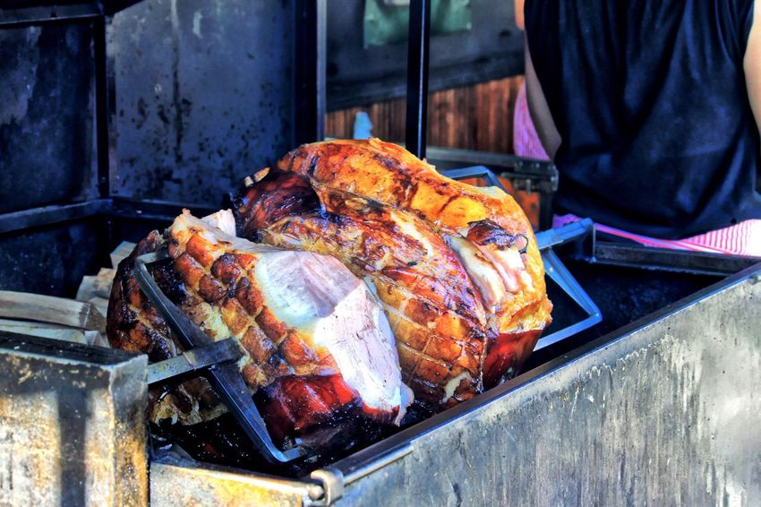 The first cut! Irresistible..... Roasting meat on rotisserie... Yummy Tasty Food Foodporn Food Porn Foodphotography BBQ Grill Rotisserie Meat! Meat! Meat! Street Food Worldwide 43 Golden Moments On The Way