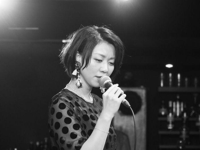 OSAKA Japan ASIA Suita Take Five Natsuki Morikawa Jazz Live Singer  Singing Beautiful Woman Night Music Beauty Healing Olympus PEN-F 大阪 日本 吹田 森川七月 美人 女神 癒し 最高の時間