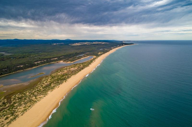 Breathtaking ocean coastline in victoria, australia - aerial view