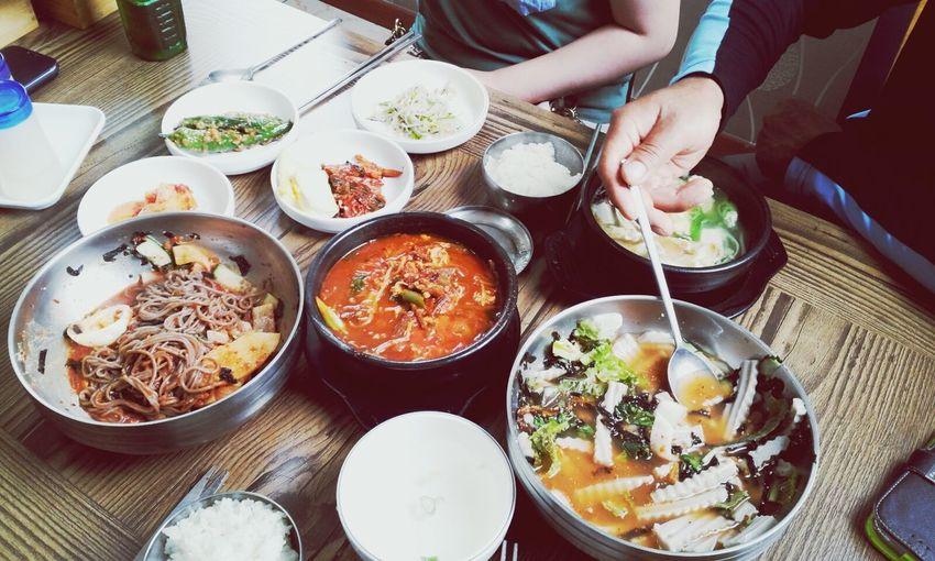 봉하마을에서 먹는 메밀의 향연. 아버지의 빠른 숟가락 스윙 ㅎ.ㅎ 묵밥 메밀국수