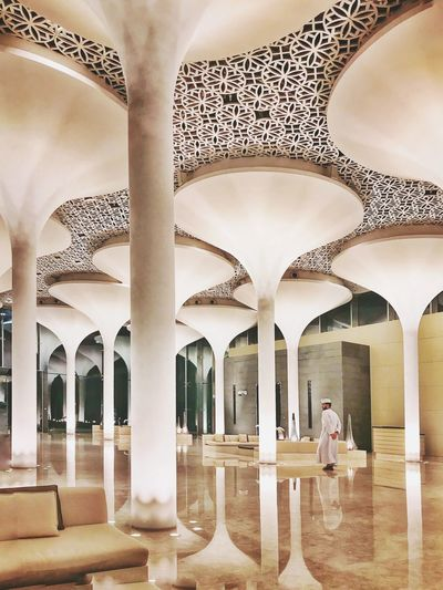 Amazing contemporary architecture combined with arabic influences, modern Oman 🇴🇲 Oman Interior Decorating Interior Design Modern Workplace Culture Daily Life Urban Architecture Shot On IPhone Architectural Column Indoors  Architecture Built Structure Arch Ceiling Building Pattern Luxury Hotel Ornate Reflection The Traveler - 2018 EyeEm Awards The Architect - 2018 EyeEm Awards