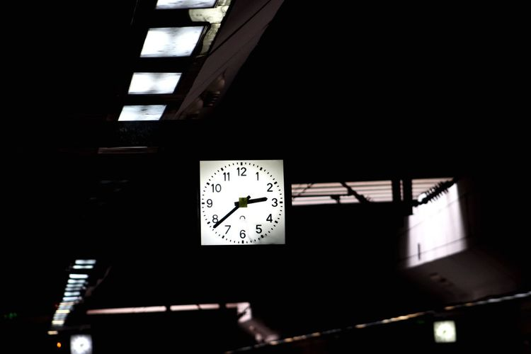 Clock Time Low Angle View Dark Night Indoors  Minute Hand Clock Face No People Hour Hand Turkey Denizli Izmir Nature Photography Beauty In Nature Landscape Nature