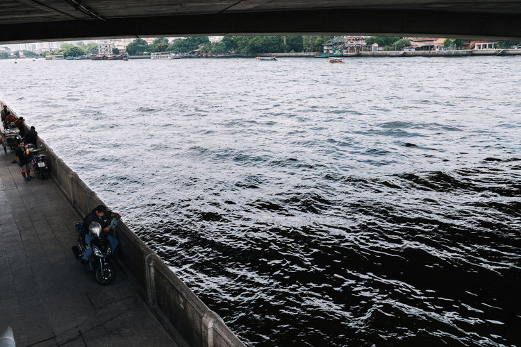 View of Chao Phraya River from Under the Bridge Architecture Bangkok Building Exterior Built Structure Chao Phaya River City Local Local Lifestyle Nature River River View Riverscape Riverside South East Asia Thailand Under The Bridge Urban Urban Lifestyle Water Wave The Architect - 2017 EyeEm Awards