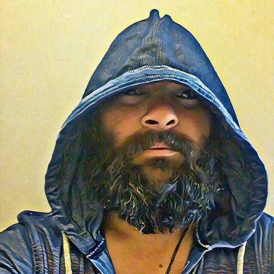 Beard Bearded Beardlife Beardstyle Beardporn Beardedlifestyle Beardgame Pogonophilenation Headshot Close-up Hooded