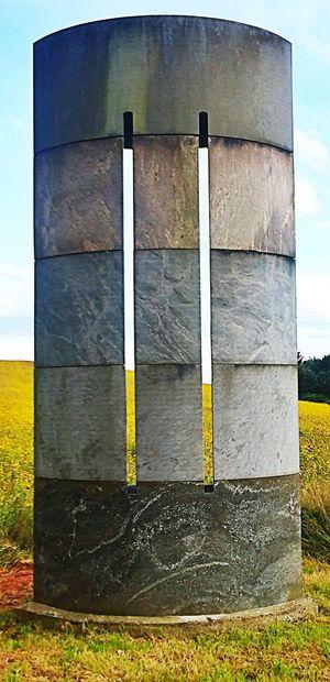 Statue Straßedesfriedens Stein Saarland Hochwald Denkmal
