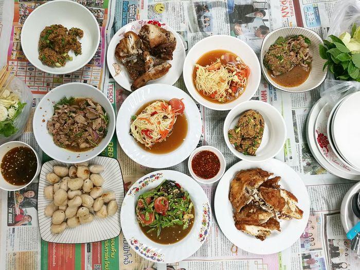 เรื่องกินเรื่องใหญ่ Back To Basics  Local Food High Angle View Meal Asian Food Newspaper