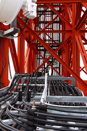 Red metal structure