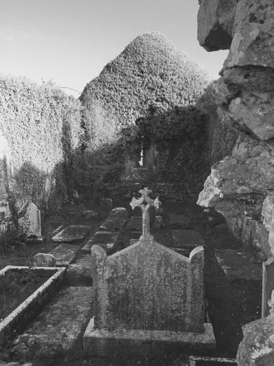 graveyard Celtic Gravestone celtic Outdoors Cemetery Cemetery_shots burren Blackandwhite Photography
